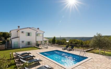 Schöne Villa Mare mit Meerblick und Sommerküche