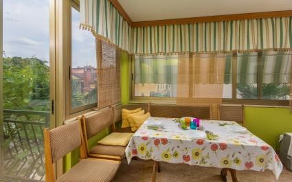 Lijepo uređen apartman Jedro u blizini prekrasne plaže i centra grada