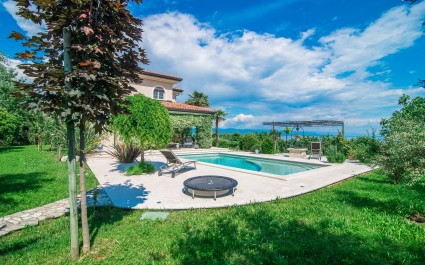 Studio Apartment in Villa Arta with Pool
