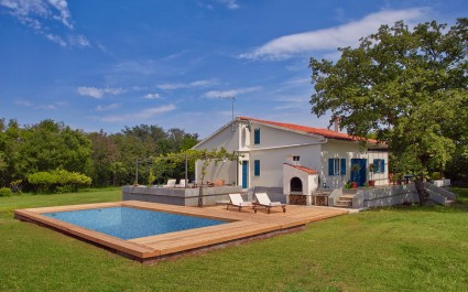 Unique Villa Majavec with Large Garden and Pool