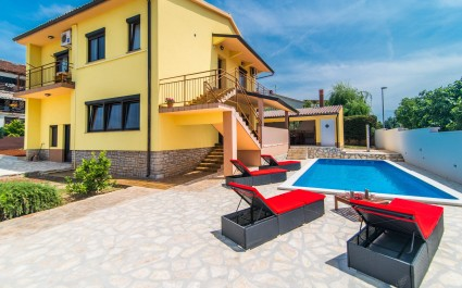 Five-Bedroom Villa Maredi close to Pula