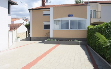Three-Bedroom Apartment Josip Cancini A5 with Terrace