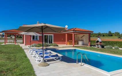 Family Villa Kata - 1,5 km From The Sea