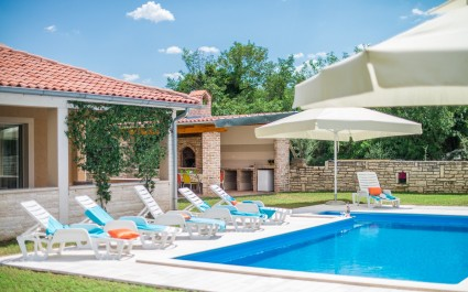 Beautiful Villa Ruza with Pool in Peaceful and nice Landscaped Garden