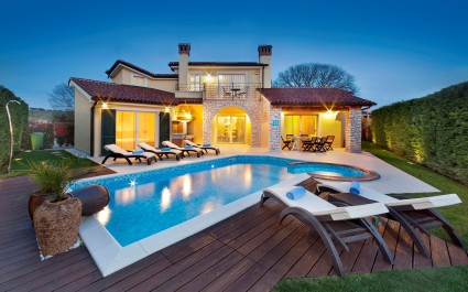 Luxury Villa S Domenica near Poreč with Pool, Wine Cellar and Billiard