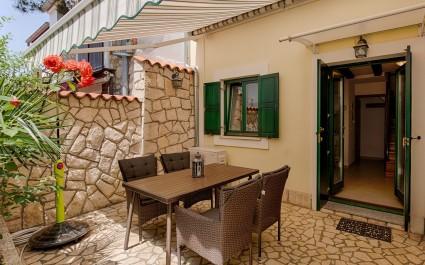 Casa Vacanze Divna con Terrazza, a 100 m dalla spiaggia