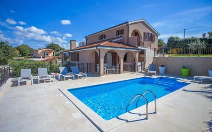 Villa Luka mit eigenem Pool in der Nähe von Porec