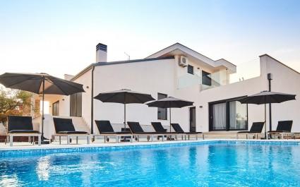 Villa Dolcea u Kastelu