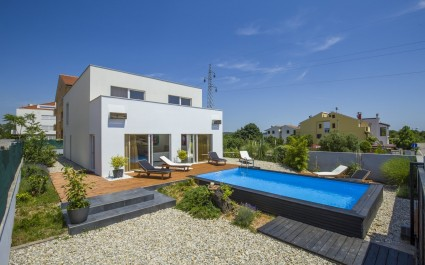 Villa Brigita in Rovinj with Swimming Pool near the Beach