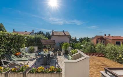 Appartamento Loredana con Terrazza e Giardino Condiviso