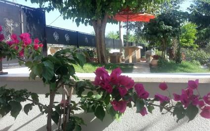 Two-Bedroom Apartment Ire with Garden in Krsete