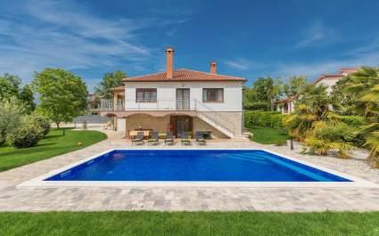 Villa Marina mit privatem Pool, in der Nähe von Porec