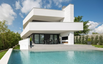 Modern Villa 55 with Pool and Spa
