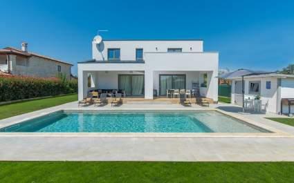 Moderne Villa Gina mit privatem Pool