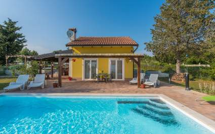 Holiday House Paco with Private Pool