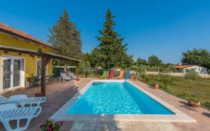 Ferienhaus Paco mit Privatem Pool