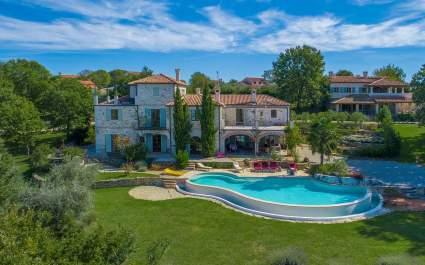 Villa By Three Oaks in Barat