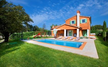 Villa Alex, izuzetno šarmantna i jedinstveno dizajnirana villa s bazenom