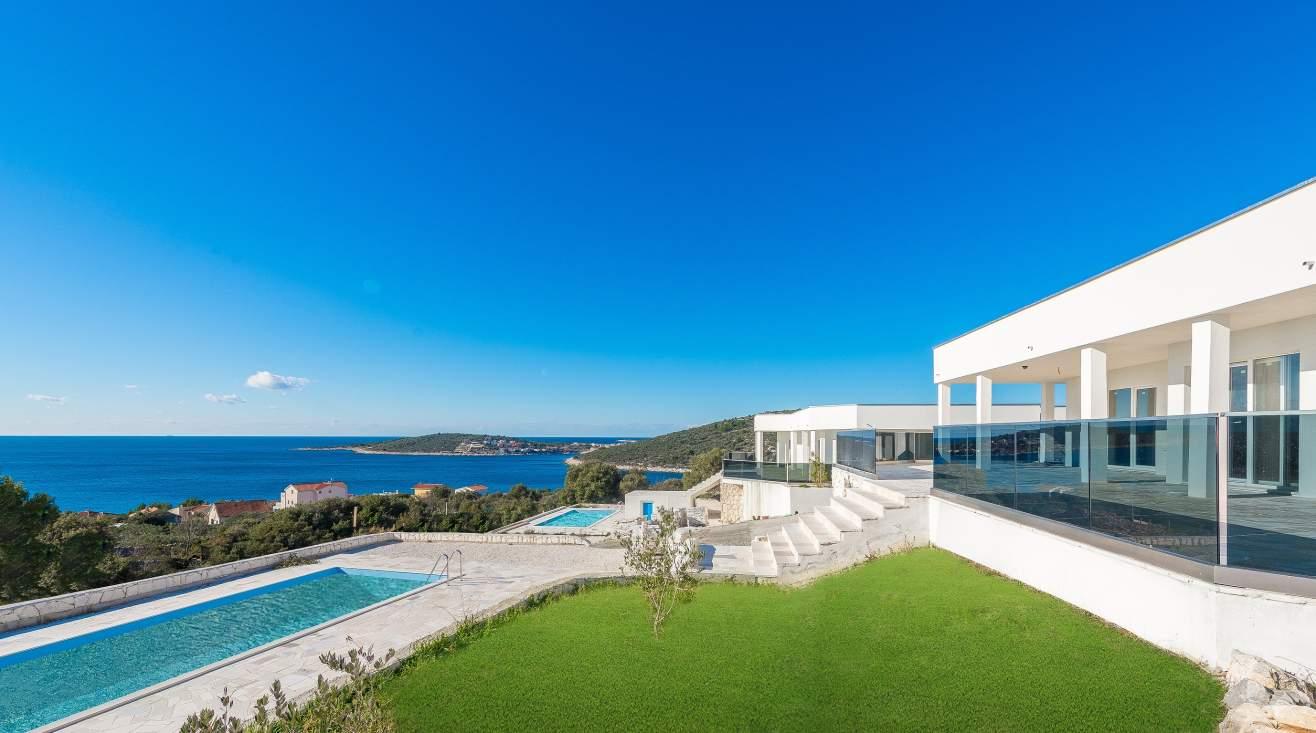 New modern villas with sea view in Dalmatia